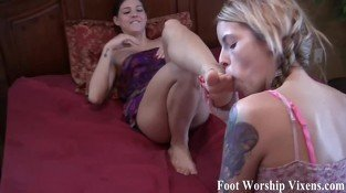 Sadie worships Bellas beautiful feet